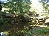 Lesem na Dubový vrch - skalní břehy řeky Lužnice u Židovy strouhy