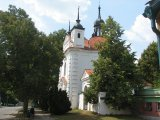 Kostel sv. Michala a hřbitov